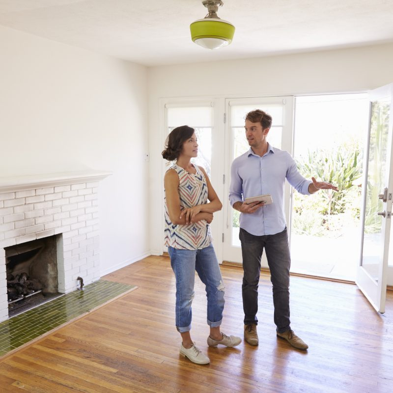 Couple attend property viewing without a property finder